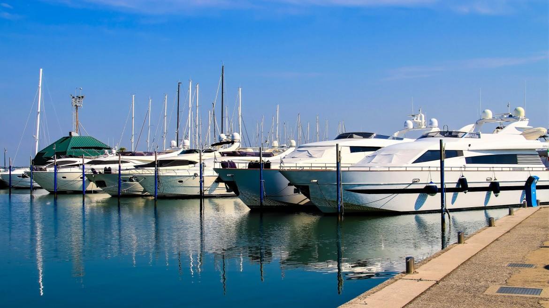 Venta De Barcos Nuevos Y De Ocasión En Alcudia Mallorca